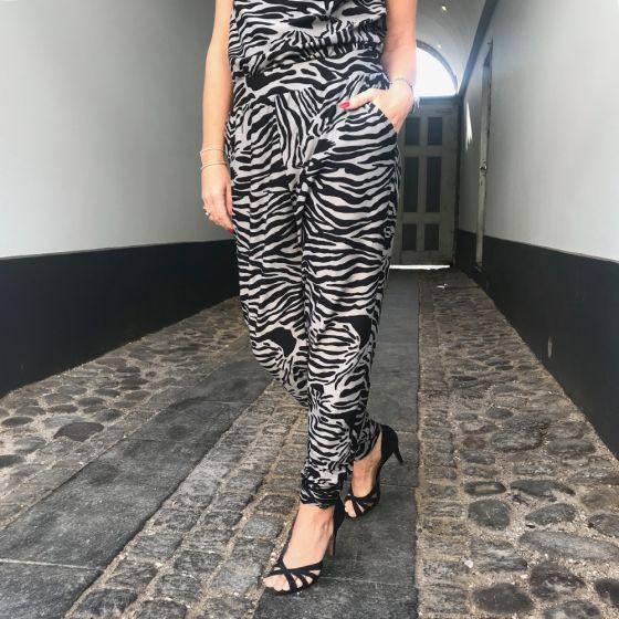 Alma Pants Zebra Black fra Liberté